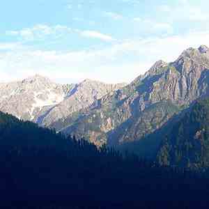 Chandigarh Shimla Manali Dharamshala Dalhousie honeymoon package