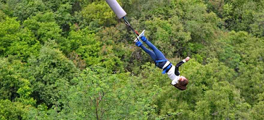 Bungee Jumping in Manali