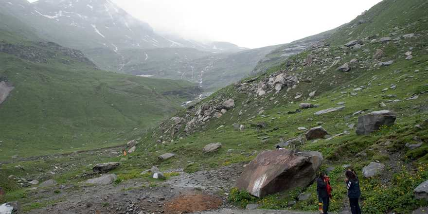 Manali tour package from Batala