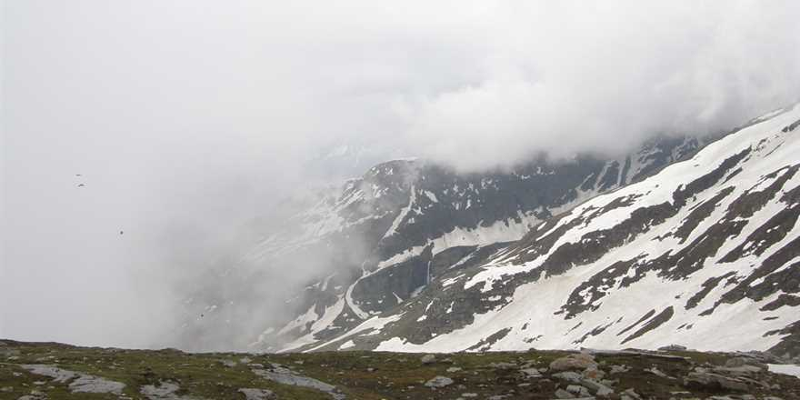 Manali tour package from Damoh