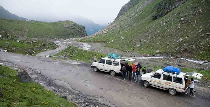 Avail Best Honeymoon Packages in hill station Kullu Manali