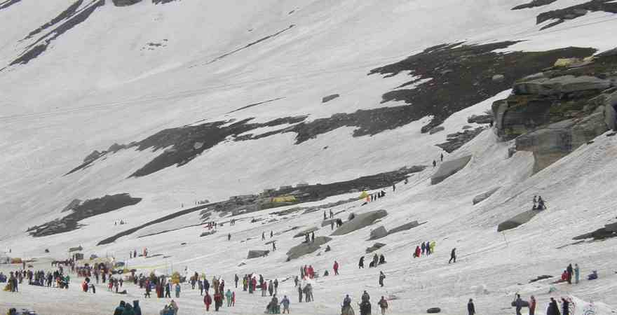 Experience Snowfall - Best Time to Visit in Manali