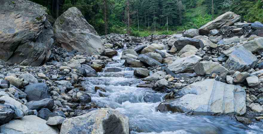 5 Must Sightseeing for Manali Honeymoon Package
